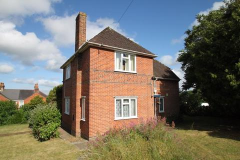 3 bedroom detached house to rent - Connaught Road, East Cowes