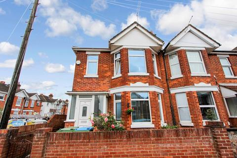 3 bedroom semi-detached house for sale - Whitelaw Road, Shirley, Southampton, SO15