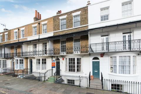 4 bedroom terraced house for sale - Spencer Square, Ramsgate