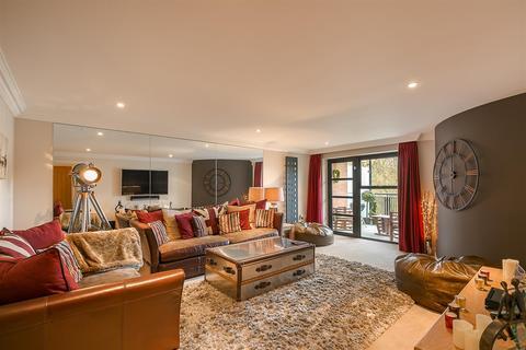 3 bedroom flat for sale - Adderstone Crescent, Jesmond. Newcastle upon Tyne