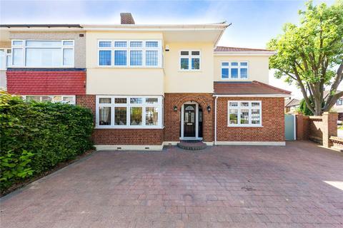 4 bedroom semi-detached house for sale - Fleet Avenue, Upminster, RM14