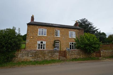 4 bedroom detached house to rent - Main Street, , Grantham, NG32 1LX