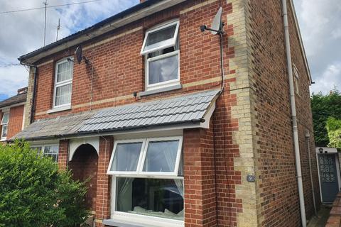 3 bedroom semi-detached house to rent - Denbigh Road, , Tunbridge Wells, TN4 9HS