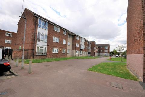 1 bedroom flat for sale - Ibscott Close, Dagenham