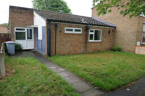 2 bedroom semi-detached bungalow to rent - Tilston Walk, Wilmslow, Stockport, SK9 2HL