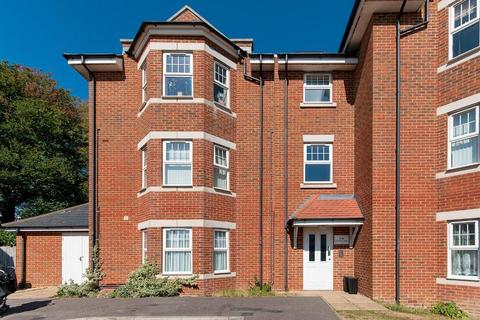 2 bedroom flat for sale - Whiteley Close, Seaford, East Sussex, BN25 4AU