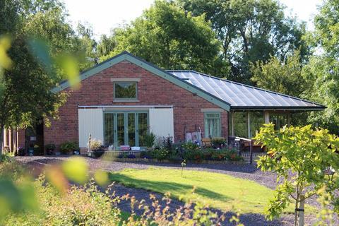4 bedroom barn conversion for sale - Willington, Malpas
