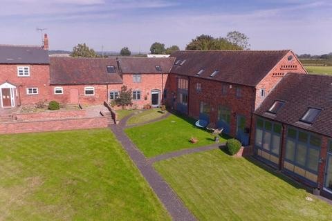 3 bedroom barn conversion for sale - 4 Old Hall Court, High Offley, Stafford