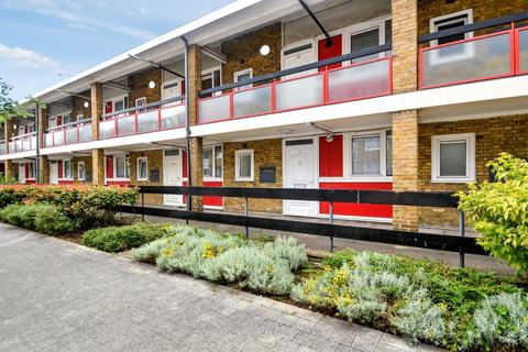 1 bedroom flat for sale - Candy Street, Bow E3