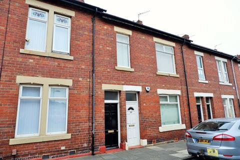 3 bedroom apartment to rent - Norham Road, North Shields