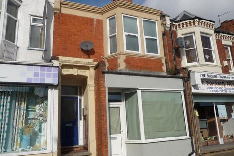 Retail property (high street) to rent - Kingsley Park Terrace, Kingsley, Northampton