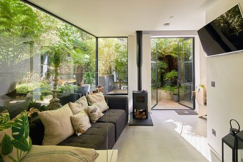 3 bedroom end of terrace house for sale - Wellfield Road, London SW16