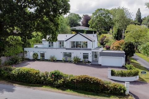 4 bedroom detached house for sale - Camp Road, Charlton Kings, Cheltenham, Gloucestershire, GL52