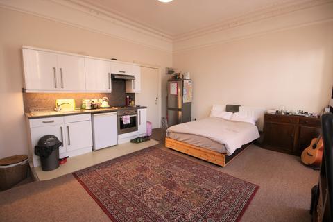 Studio to rent - Goldstone Villas, Flat 3, Hove BN3