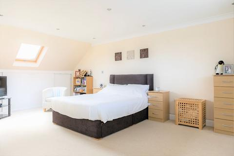 3 bedroom semi-detached house for sale - Westbourne Road, Staines-upon-Thames