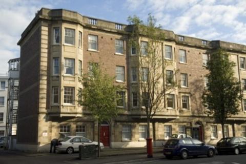 2 bedroom apartment to rent - 7 Belgrave Court Walter Road Swansea