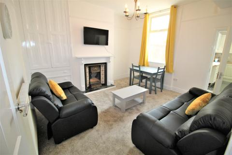 4 bedroom house share to rent - Weston Street, Preston PR2