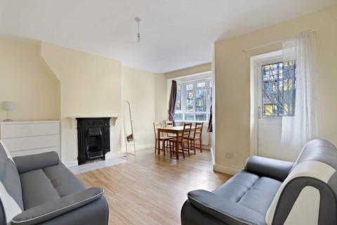 3 bedroom flat to rent - Campbell House, Bloemfontein Road, London W12