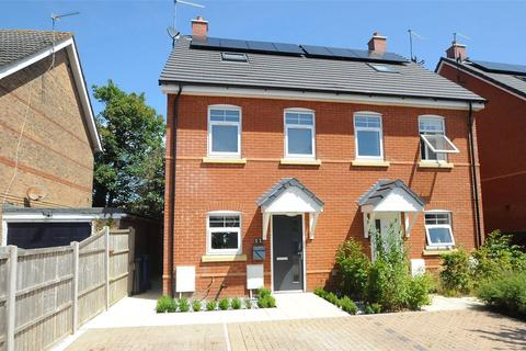 3 bedroom semi-detached house for sale - Wesley Road, Poole, Dorset, BH12
