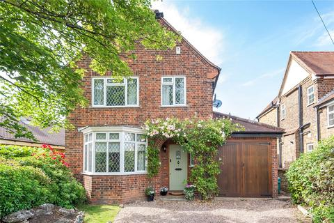 3 bedroom detached house for sale - Belmont Road, Uxbridge, Middlesex, UB8