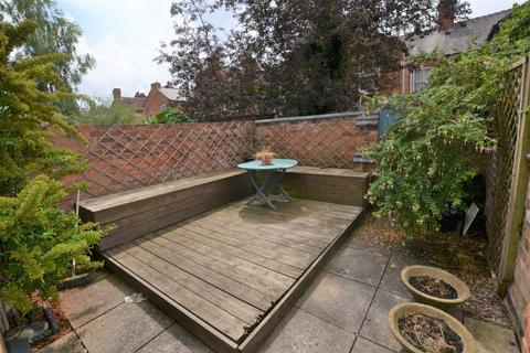 3 bedroom terraced house to rent - Walton Street, Leicester