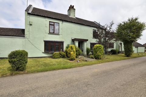 4 bedroom farm house for sale - Walpole Highway
