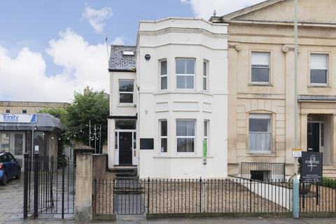 7 bedroom end of terrace house for sale - Portland Street, Cheltenham GL52 2NX