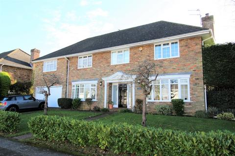 5 bedroom detached house for sale - Milstead Close, Tadworth