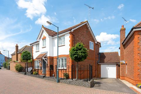 4 bedroom detached house for sale - Whitmore Crescent, Chelmsford