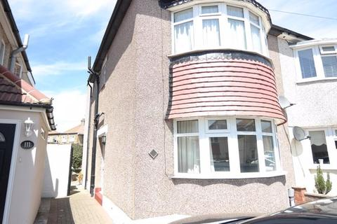 3 bedroom semi-detached house to rent - Budleigh Crescent, Welling DA16