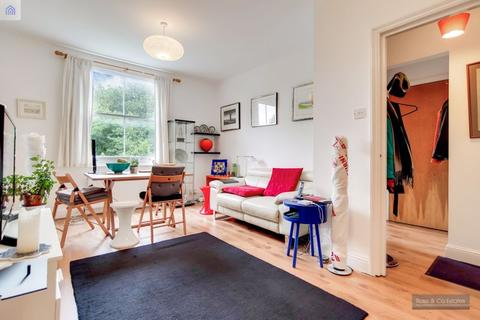 3 bedroom flat for sale - Fairhazel Gardens, South Hampstead  London