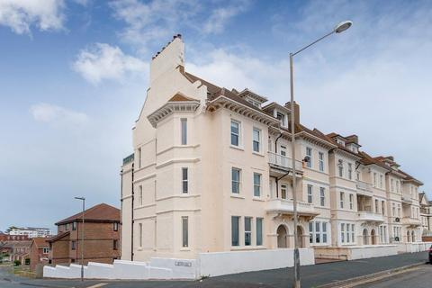 2 bedroom flat for sale - Esplanade, Seaford, East Sussex, BN25 1JJ