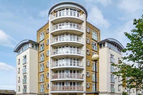 2 bedroom flat to rent - Spruce House, Canada Water SE16