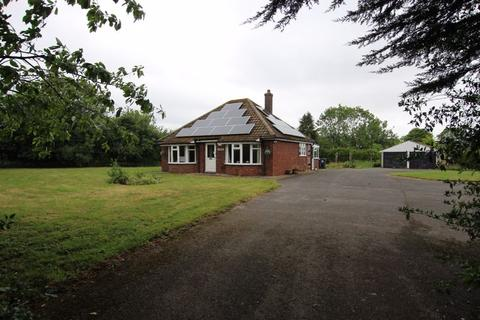 2 bedroom bungalow for sale - Jonphil, Scothern Lane, Langworth. LN3 5BH