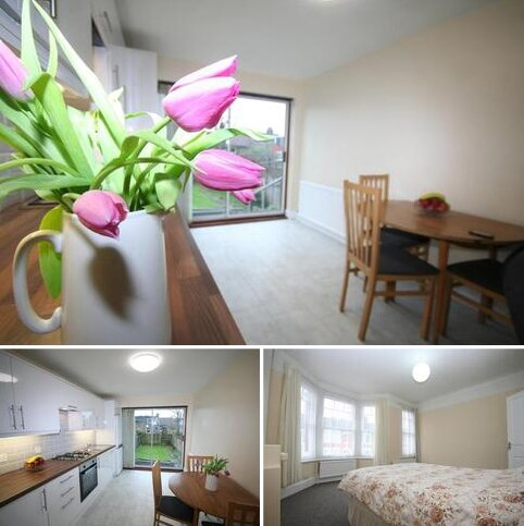 3 bedroom semi-detached house to rent - Beresford Road LONDON N8