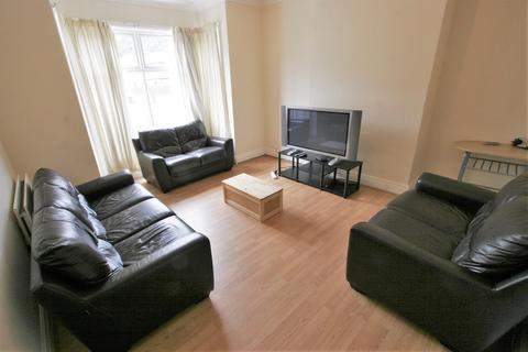 8 bedroom house share to rent - Ash Road, Headingley, Leeds