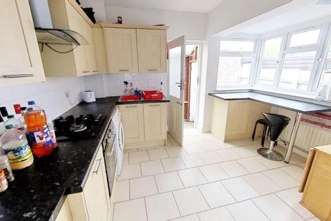 3 bedroom house to rent - Queens Road, Leicester