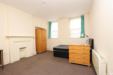 2 bedroom flat to rent - Bladud Buildings, Bath, BA1