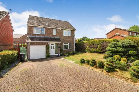4 bedroom detached house for sale - Torcross Grove, Calcot, Reading, RG31