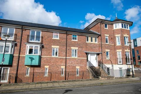 2 bedroom apartment for sale - Sens Close, Chester