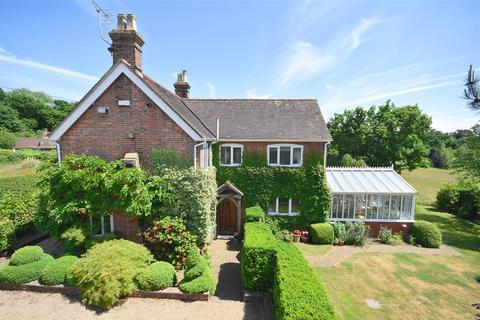 3 bedroom detached house for sale - Rye Road, Hawkhurst, Cranbrook