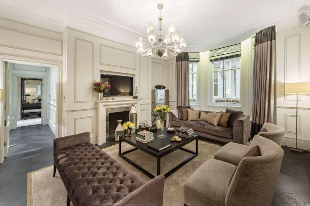 2 Bedrooms Apartment Flat for sale in Albert Court, Prince Consort Road, SW7