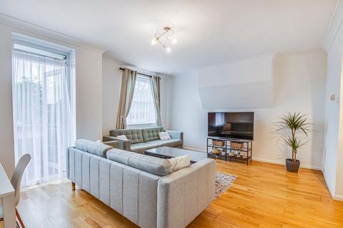 3 bedroom apartment for sale - Ferron Road, London