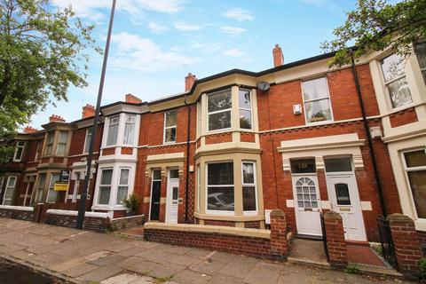 3 bedroom flat for sale - Queen Alexandra Road, North Shields