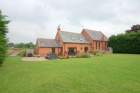 4 bedroom country house for sale - Audlem Road, Hatherton, Nantwich