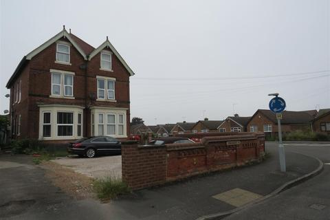 Studio to rent - Connaught Road, Derby