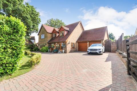 4 bedroom detached house for sale - Maldon Road, Latchingdon
