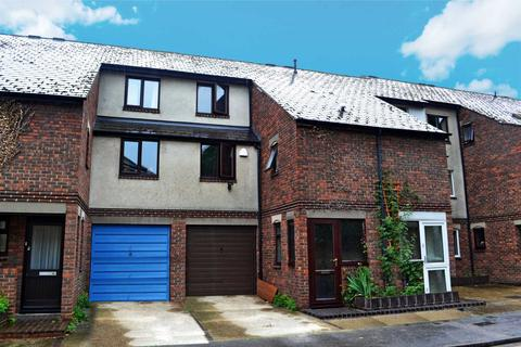 4 bedroom terraced house to rent - Paradise Square, Central Oxford
