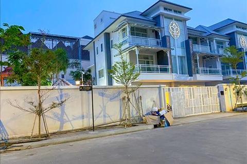 8 bedroom villa - Teuk Thlar, Sen Sok, Phnom Penh, KHSV38