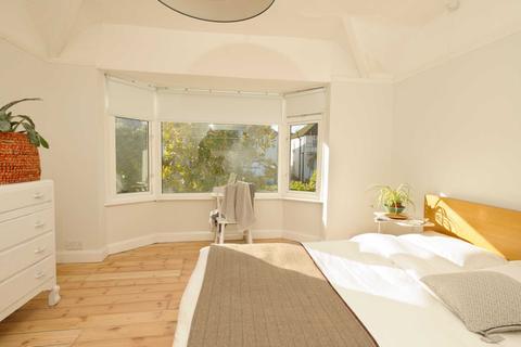 4 bedroom semi-detached house to rent - Coniston Avenue, Headington